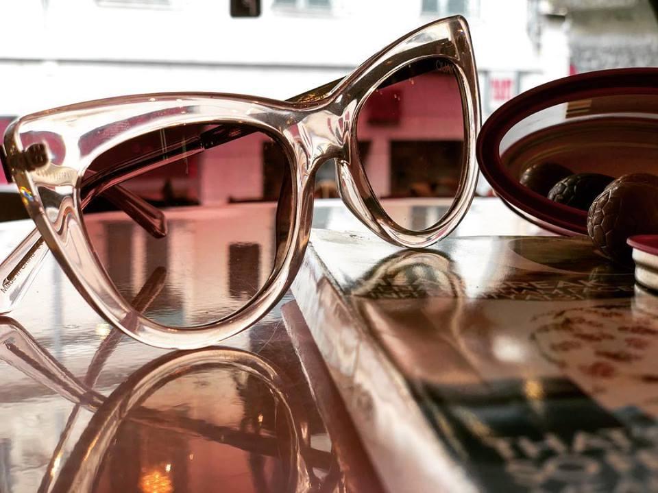 05f22e5423432a Elles arrivent avec le soleil  Les lunettes de soleil Quay Australia sont  désormais disponibles chez Barret avec 10 modèles aux looks branchés et  originaux ...